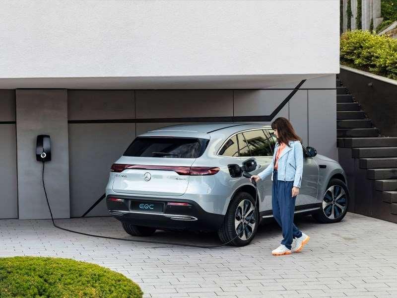 Mercedes-Benz se prépare à la mobilité électrique avec l'EQC