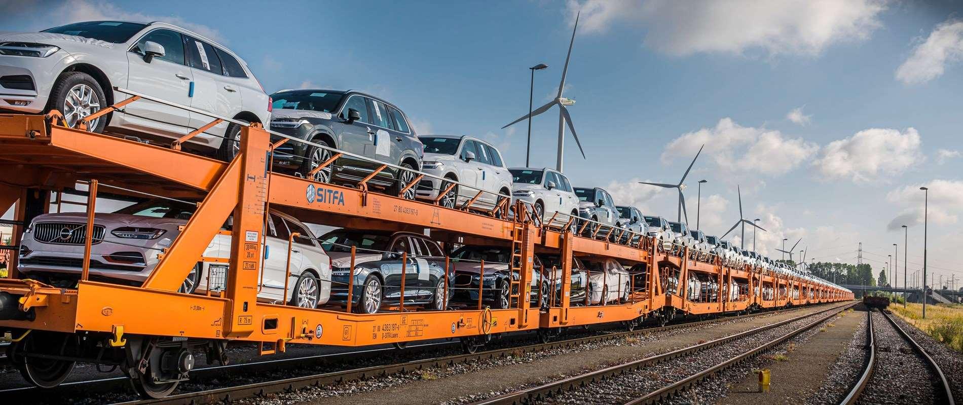 Overgang van vrachtwagens naar treinen haalt uitstoot van Volvo Cars' logistiek netwerk scherp naar beneden