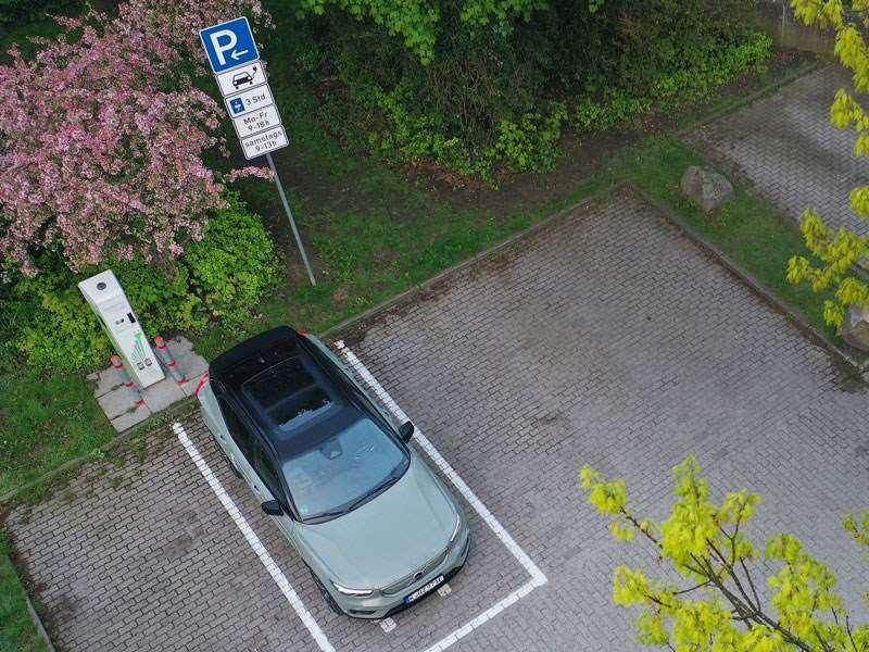 Volvo Cars en EasyPark slaan de handen in elkaar om betalend parkeren te vereenvoudigen