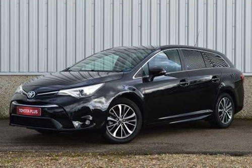 Avensis TOURING SPORTS 1.6 D-4D Dynamic + LOOK PACK / 09-2