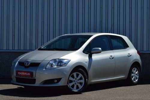 Auris 1.4 D-4D Executive / NAVI / 5.950 € !!!