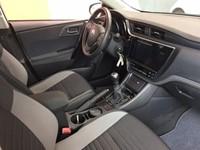 Auris TouringSports 1.8 VVT-i Hybrid Comfort + Alu + GPS