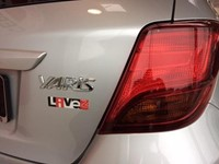 Yaris 1.0 VVT-i 5 M/T Live2