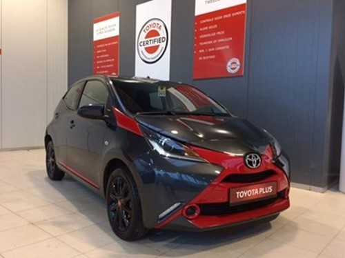 Aygo 1.0 X-Play + X-Fresh + Red Line Pack