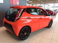 Aygo 1.0 X-Cite + X-Perience Pack