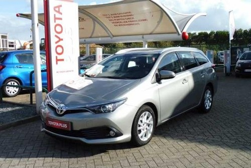 Auris 1.4D4D DYNAMIC+GPS+CAMERA+ALU WHEELS+AIRCO